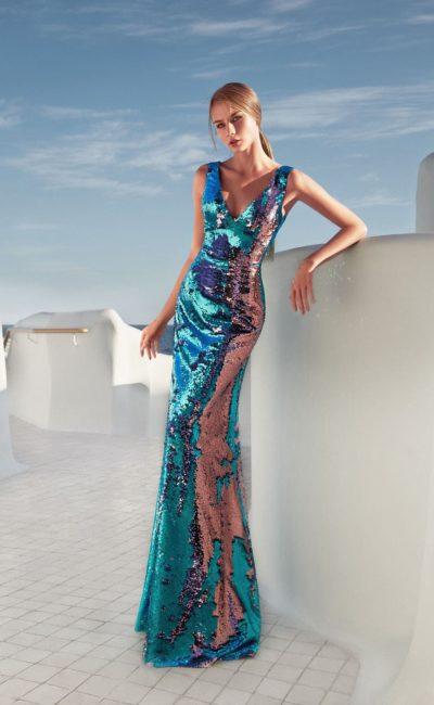 Красивое необычное блестящее платье