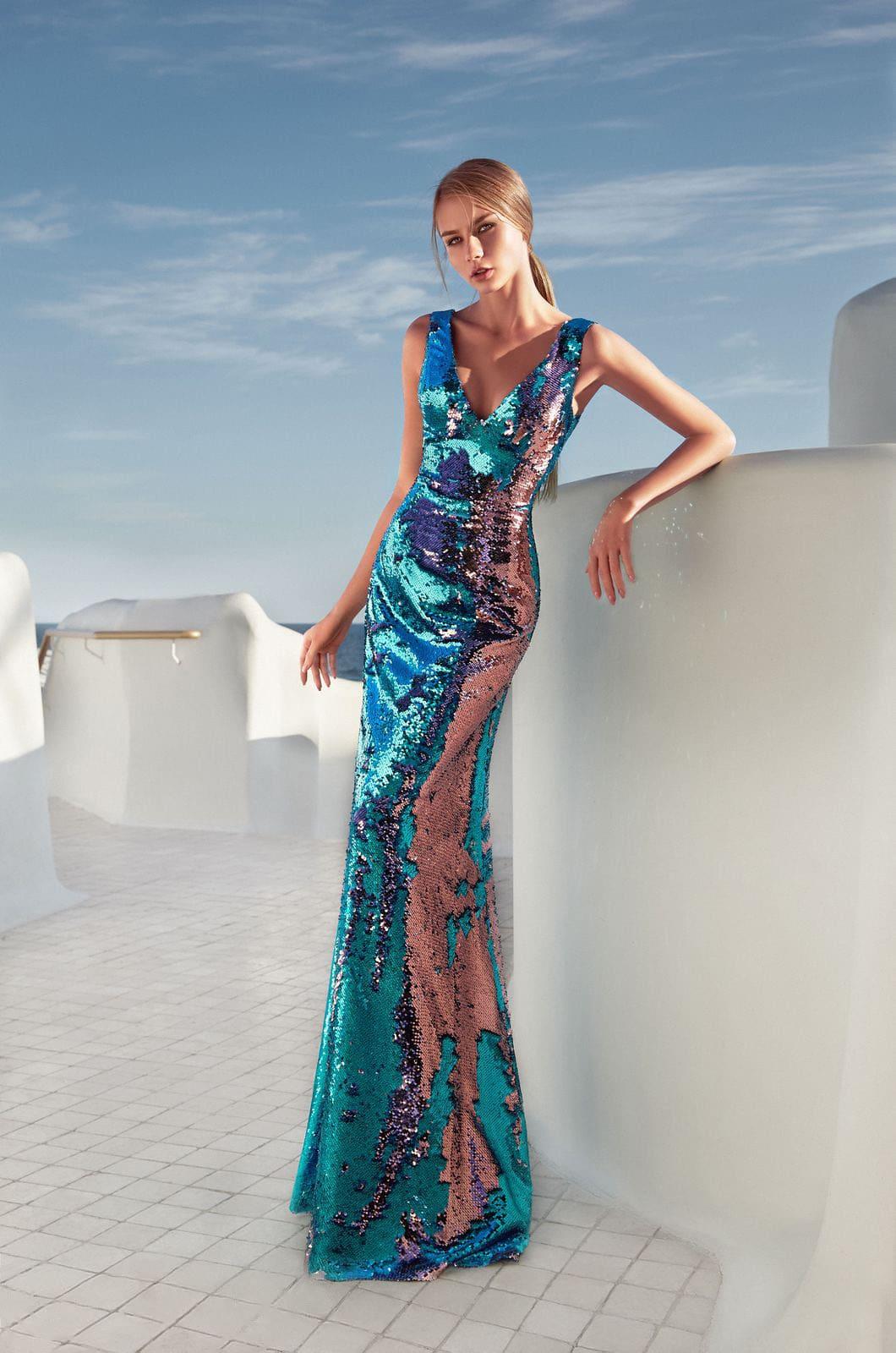 3df3215914276e6 Платье: Лаконичный крой с лифом на бретелях, V-образным вырезом и длинной  прямой