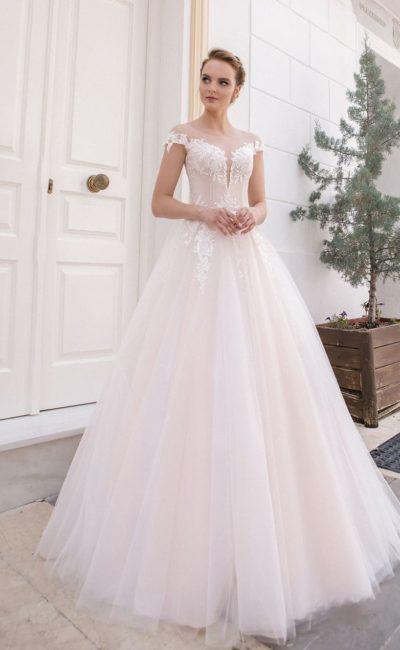 Утонченное свадебное платье для классического образа