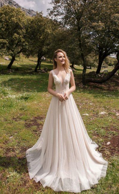 Открытое легкое платье для летнего образа