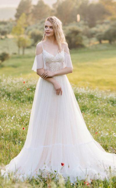 Легкое приталенное платье