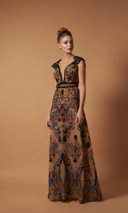 Нежное вечернее платье с яркими акцентами