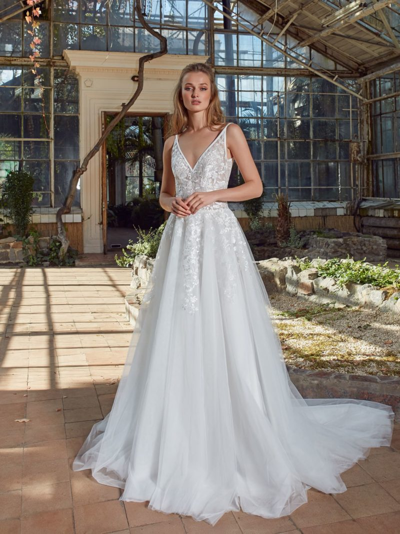 Нежное свадебное платье А-силуэта