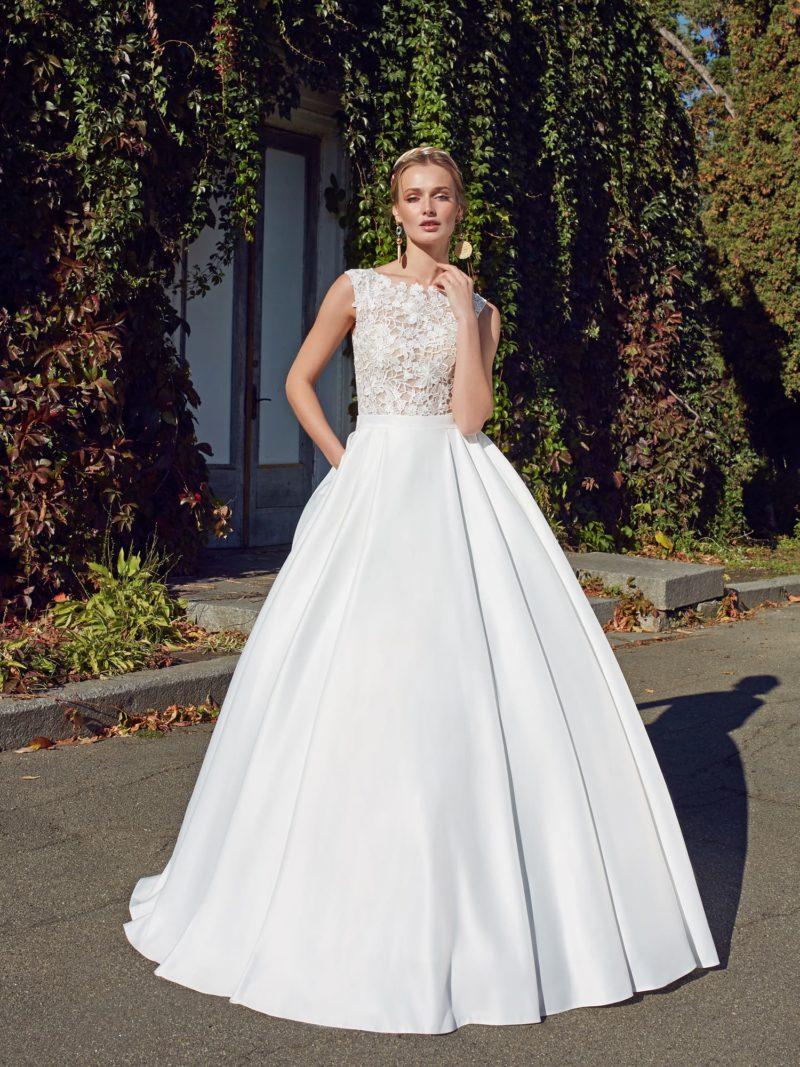изысканное платье А-силуэта