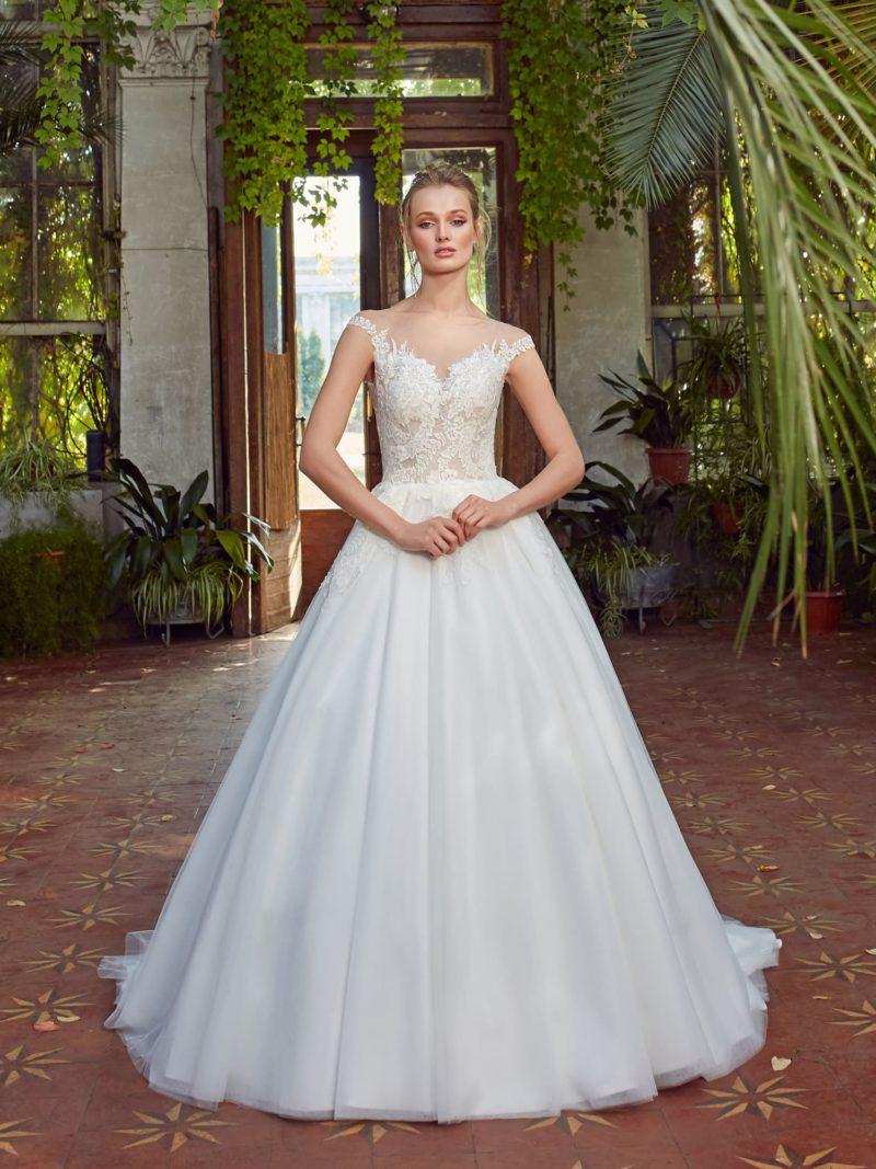 женственное платье силуэта «принцесса»