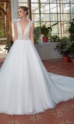 свадебное платье: шифоновая юбка А-силуэта со шлейфом