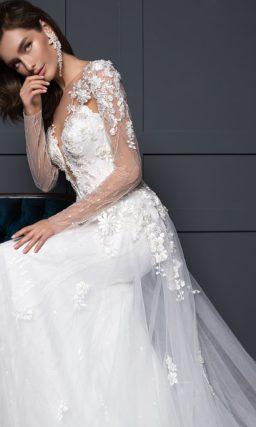 Платье с ажурными цветами
