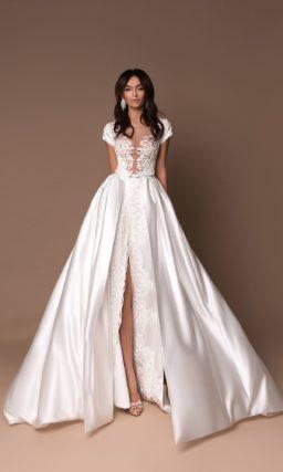 Атласное пышное свадебное платье