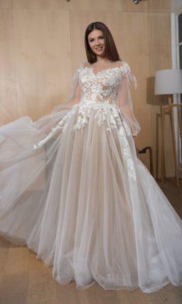 Женственное платье из прозрачного белого фатина
