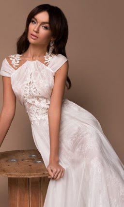 Платье с необычным верхом