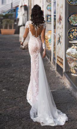 Платье «русалка» с прозрачным рукавом