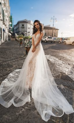 свадебное платье-русалка с шлейфом