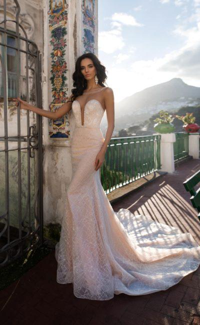 Чувственное платье-русалка пудрового оттенка
