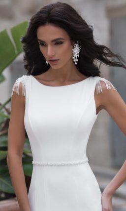 свадебное платье силуэта «русалка» из плотного белого крепа