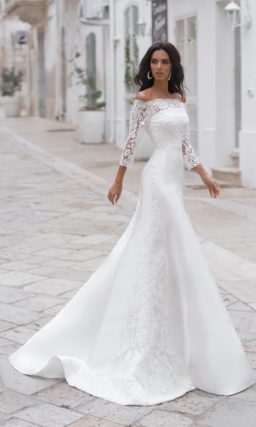 белоснежное платье-бюстье силуэта «русалка»