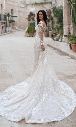 Свадебное платье-русалка оттенка айвори