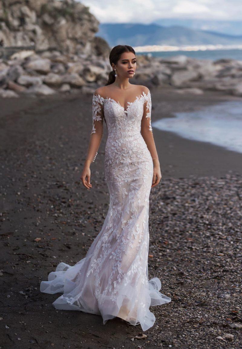 Женственное свадебное платье силуэта «русалка»