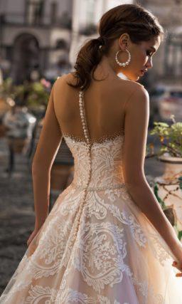 Пышное свадебное платье-бюстье пудрового цвета