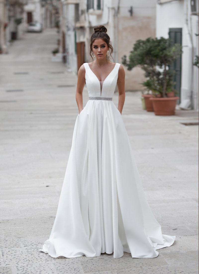 Минималистичное стильное свадебное платье