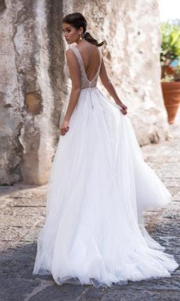 Элегантное свадебное платье А-силуэта