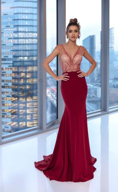 Длинное вечернее платье силуэта «русалка»