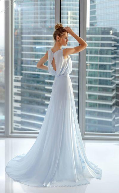 Легкое вечернее платье из нежно-голубого шифона