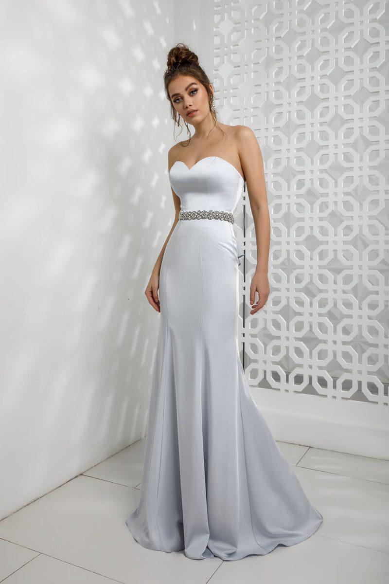 длинное вечернее платье годе из атласа