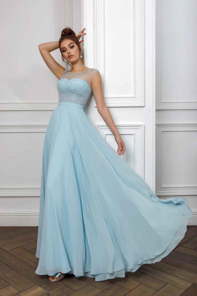 платье мятного оттенка с юбкой в пол