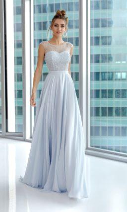 Вечернее платье нежно-голубого оттенка