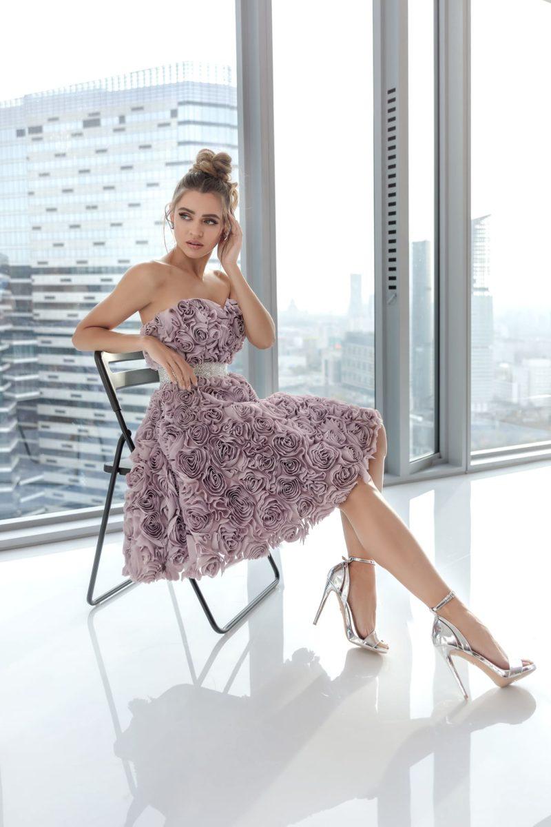 Пышное коктейльное платье длиной до колен