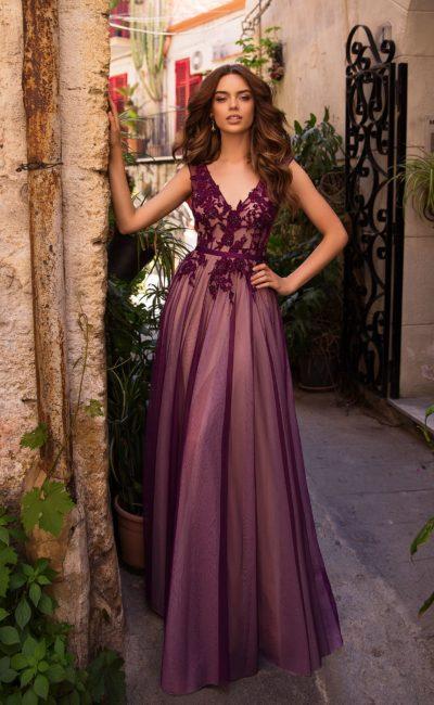 Длинное вечернее платье из прозрачного фатина