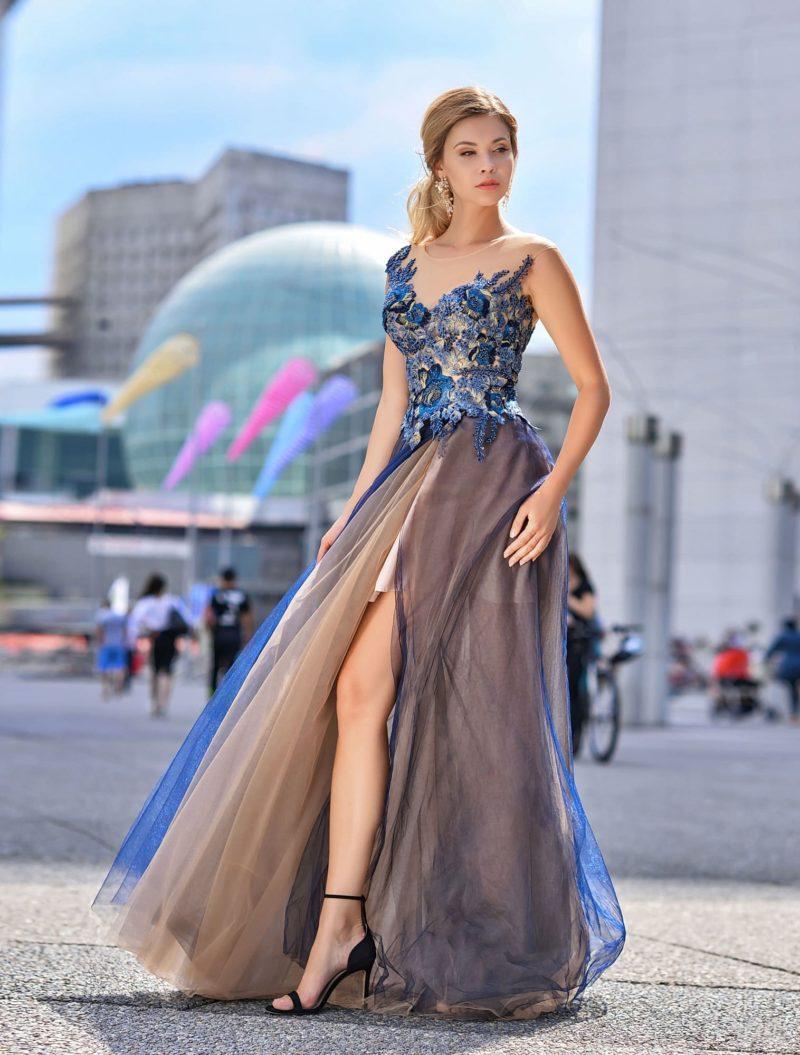 Вечернее платье в пол с сочетанием оттенков