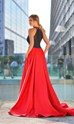 Очень красивое красное платье