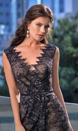 Блестящее черное платье в пол