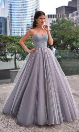 Пышное выпускное платье