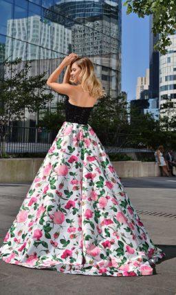 Красивое выпускное платье с цветами
