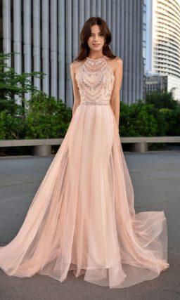 Легкое платье с юбкой в пол