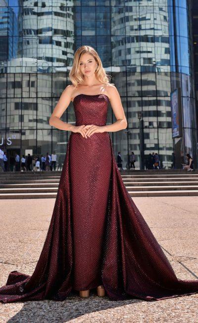 Бордовое платье в пол