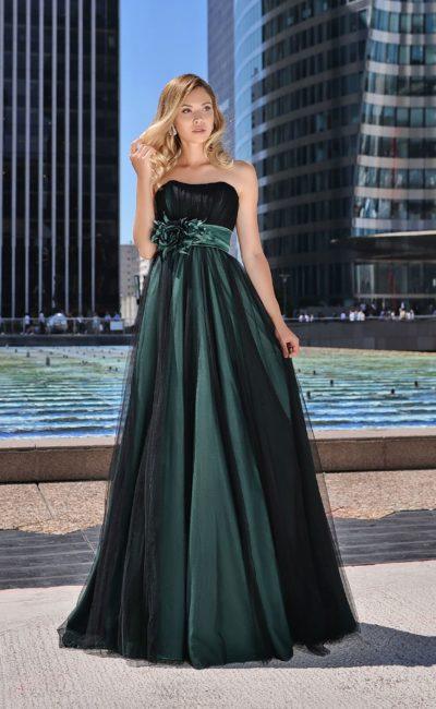 Длинное платье из черного фатина