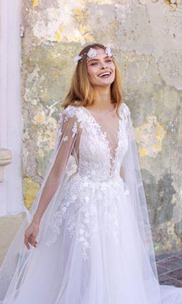 Невесомое свадебное платье из фатина