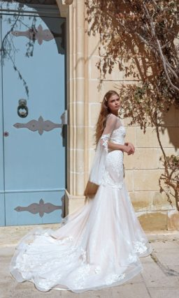 Эффектное свадебное платье силуэта «русалка»