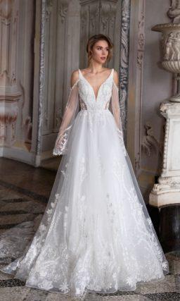 Свадебное платье с вышитым декором