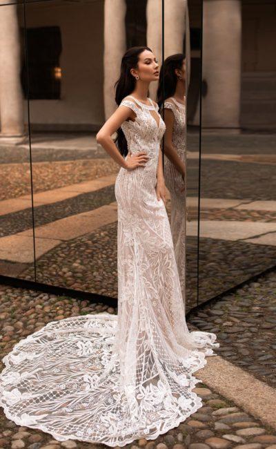 Ажурное платье силуэта «русалка»