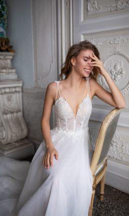 Легкое платье с открытой спиной