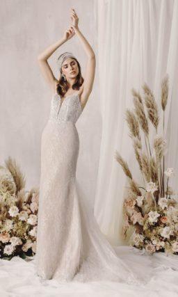 Изысканное кружевное свадебное платье годе
