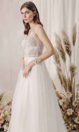 Свадебное платье с ажурным лифом