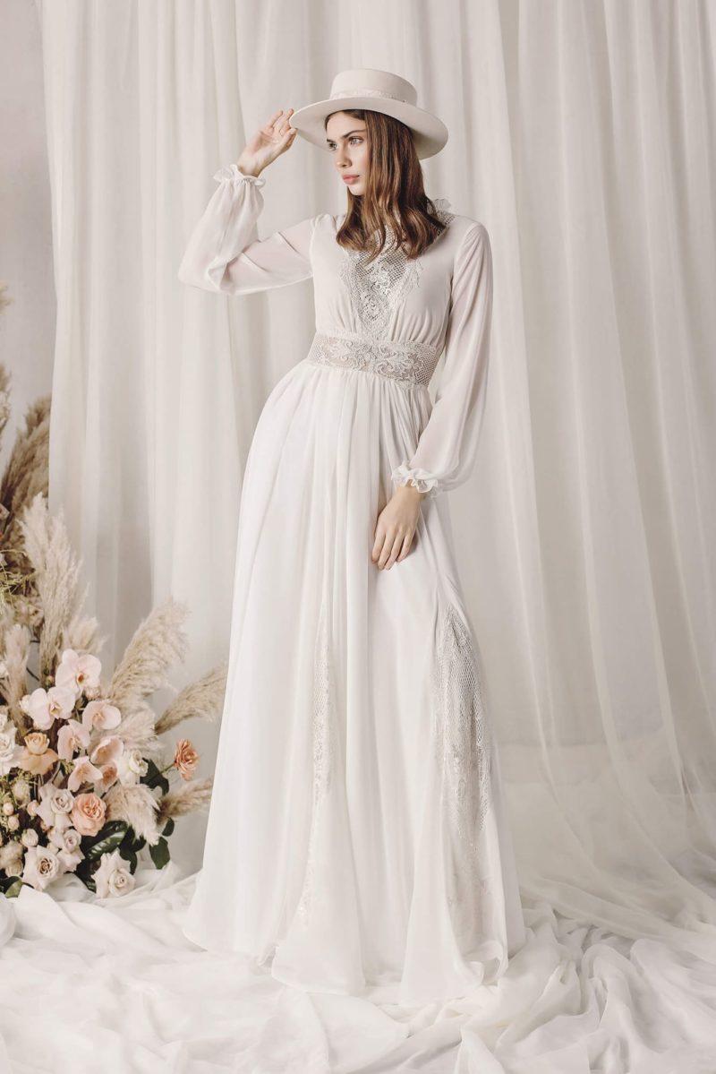 Закрытое свадебное платье в стиле бохо