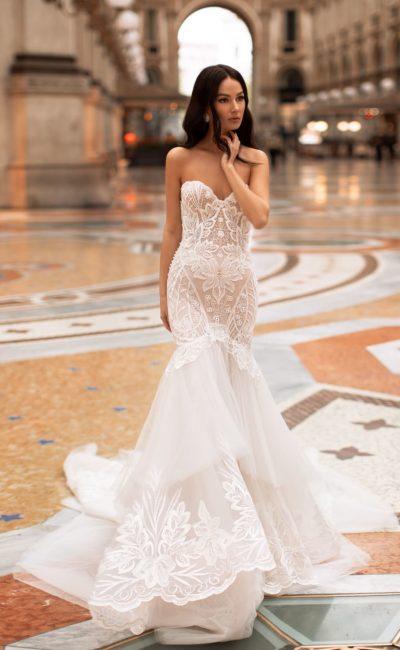 Свадебное платье-рыбка со шлейфом