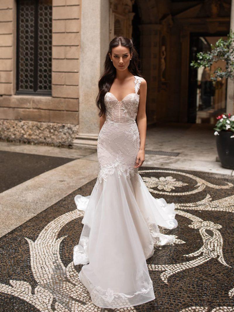 Свадебное платье «русалка» необычного пепельно-бежевого оттенка