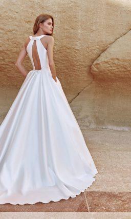Платье из атласа в стиле минимализм